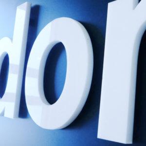 litery z plexi, szyldy z licem z pleksi, wycinanie liter w pleksi, plexi opal, plexi kolory, drukarnia internetowa Sklepdruku.pl